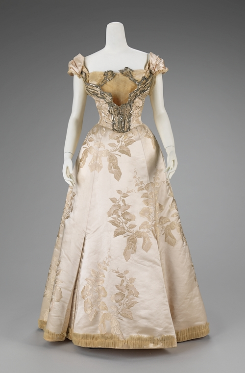 1895-1900 Worth ball gown