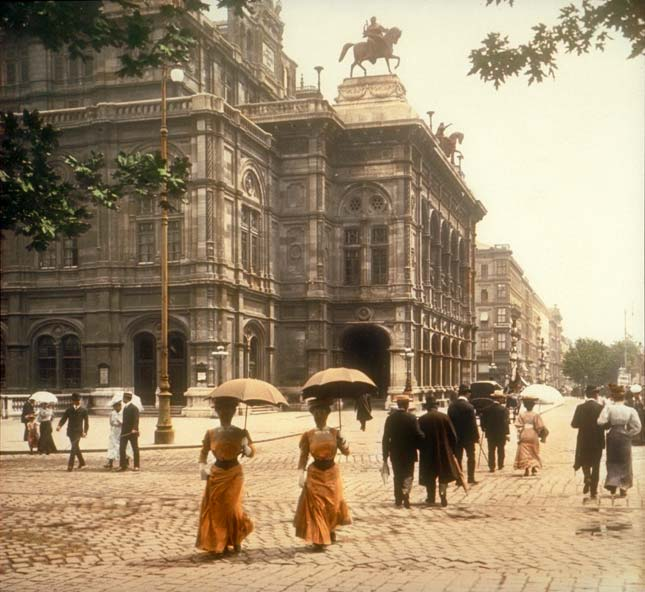 viennacourtopera1902.jpg