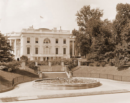 South Entrance of White House in 1899