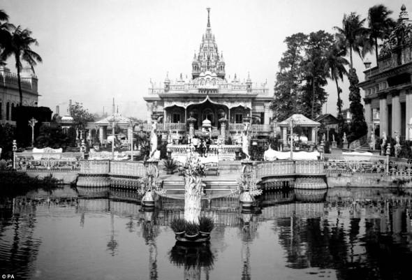 A Jain temple complex in Calcutta