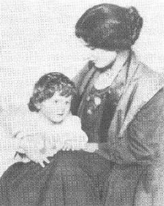 Amber Reeves and daughter with Wells, Anna-Jane