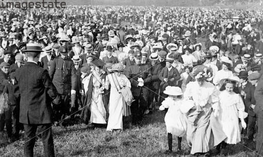 Crowds in Hyde Park on Women's Sunday, 21st June 1908