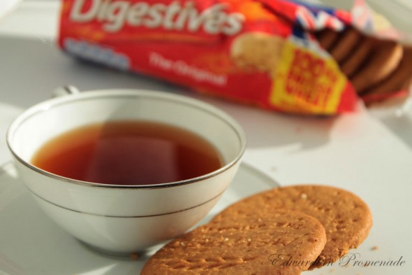 Ty.phoo Tea and McVitie's Digestives