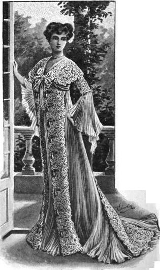 Teagown of lace and chiffon, 1902