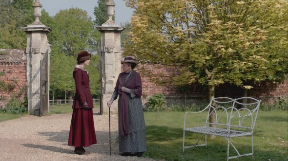 Violet questioning Mary ©Downton Online