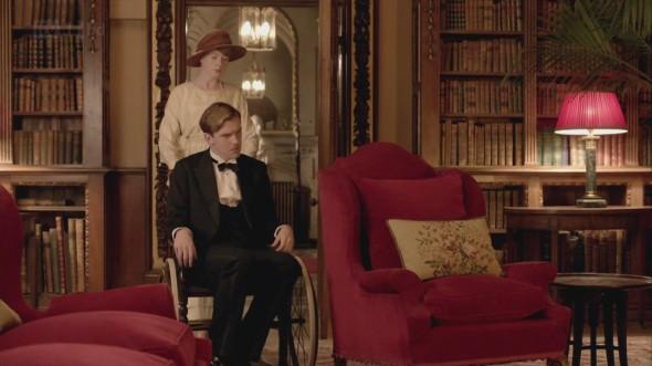 Lavinia returns to care for Matthew © Downton Online
